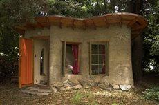 7 cob house